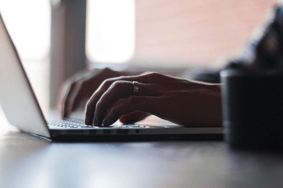 Come modificare un file PDF online e ottimizzare il lavoro