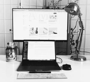 scrivania minimal